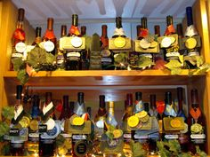 Eagles Landing Vineyard & Winery - Marquette, Iowa. Come and sample the International award-winning wines. Browse the fun, unique gift shop while enjoying the grapevine-lined patio and gazebo.