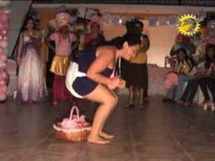 baby shower / muy comico los hombres embarazdos - YouTube Juegos Baby, Baby Shower, Youtube, Laundry, Wrestling, Game, Music, Men, Babyshower
