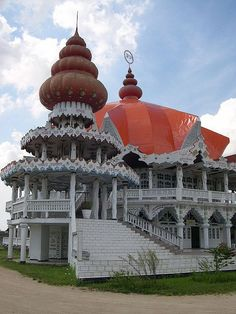 It's Sunday, must be the reason for all the religious buildings.  The Hindu Temple in Paramaribo, Suriname (by davidtharby).