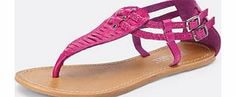 Love label Sarandon Plait Toe Post Sandals Step into summer stylishly with these striking toe post sandals by Love Label. The bright colour and quirky style will inject a great boost to your wardrobe helping you to get that summer feeling. The http://www.comparestoreprices.co.uk/womens-shoes/love-label-sarandon-plait-toe-post-sandals.asp