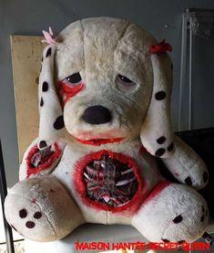 Donnez une seconde vie à un vieille ourse en peluche. Simple à réaliser pour l'Halloween.