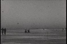 Video: MARKEN (1940) - Schaatsen op hert Markermeer, paarrijden, schaatsen met schelpen op.