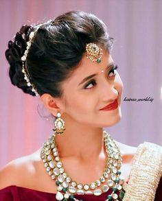 shivangi joshi Indian Wedding Hairstyles, Bride Hairstyles, Down Hairstyles, Shivangi Joshi Instagram, Bridal Hair Buns, Barbie, Wedding Hair Down, Bridal Looks, Stylish Girl