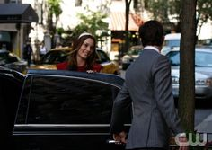 """The Freshmen""  Pictured: Leighton Meester as Blair, Ed Westwick as Chuck  Photo Credit: Giovanni Rufino / The CW  © 2009 The CW Network, LLC. All Rights Reserved."