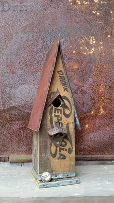 Old Pepsi crate birdhouse......
