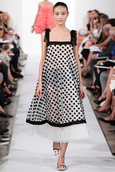 86d31d16f6a See all the Collection photos from Oscar De La Renta Spring Summer 2014  Ready-To-Wear now on British Vogue