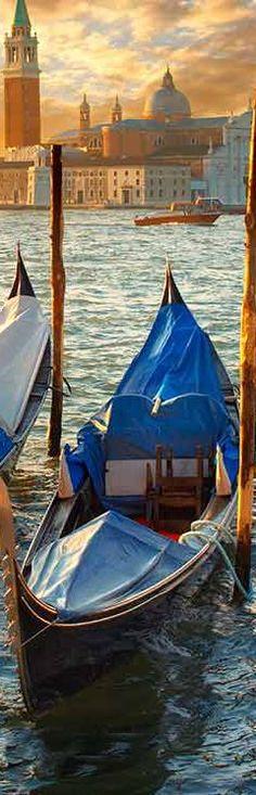 Gondola & Basilica di San Giorgio Maggiore view - Venice | Italy