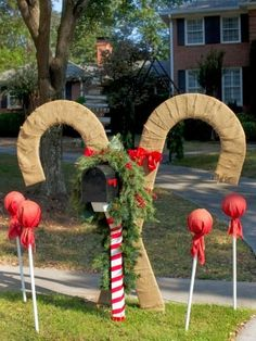 19 outdoor christmas decorating ideas - Giant Outdoor Christmas Decorations