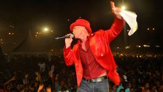 Netinho em 19 de maio de 2012 no seu show na cidade de Praia, na Ilha de Santiago em Cabo Verde, África.