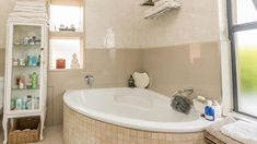 4 Bedroom House for sale in Vredehoek - Lower Pypies - 4 Bedroom House, Corner Bathtub, Alcove, New Homes, Corner Tub