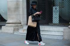 Street Style 2016, Urban Street Style, Casual Street Style, Cullotes Street Style, London Street, Normcore, Fashion Outfits, Stylish, Man Repeller