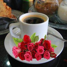 ❥●❥ ♥ ♥ ❥●❥ Coffee Gif, Coffee Images, Coffee Humor, Coffee Break, My Coffee, Coffee Drinks, Coffee Cups, Sunday Coffee, Good Morning Coffee