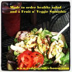 Salad and Fruit n' Veggie Smoothie Veggie Smoothies, Healthy Salads, Cobb Salad, Veggies, Lunch, Fruit, Dinner, Breakfast, Red