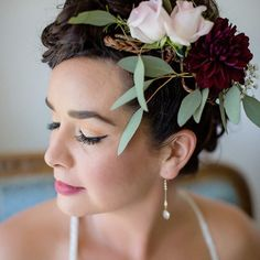 Boho-chic bridal look idea - flower + greenery crown for bride {William Innes Photography} Bridal Makeup For Brunettes, Wedding Makeup For Blue Eyes, Boho Wedding Makeup, Natural Wedding Makeup, Bride Makeup, Bohemian Makeup, Boho Wedding Hair Half Up, Bridal Hair Down, Short Bridal Hair