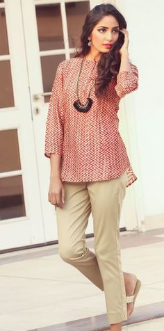 #print #red #white #tunic #top #casual #chic #daywear #style #easy #neckpiece#accessories #women #fashion #slim-fit #pants #Fabindia