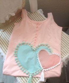 Camiseta con corazones