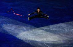 Daisuke Takahashi Photos Photos - Daisuke Takahashi of Japan performes in the Gala during the ISU World Figure Skating Championships at the Scandinavium Arena on March 23, 2008 in Gothenburg, Sweden. - ISU World Figure Skating Championships