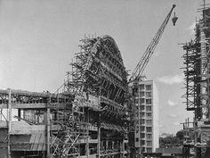 Os arcos da obra têm fama mundial. Construção do Teatro Guaíra