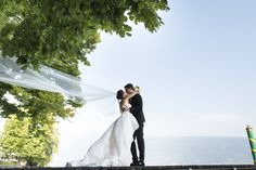 Romantic Wedding on the lake - planning by StyleAWedding - #gardenwedding #weddingvenue #gardalakewedding #weddinginitaly #destinationwedding #weddinginstyle