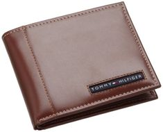 Tommy Hilfiger Mens Leather Cambridge Passcase Wallet with Removable Card Holder, Tan
