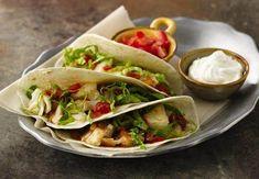 Diese typisch mexikanischen Fisch-Tacos mit Taco Salsa und Flour Tortillas von Old El Paso™ sind einfach lecker – und in nur 25 Minuten servierfertig.