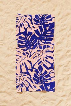 Printed palm leaves beach towels