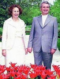 Lovitură de stat 1989   Nicolae Ceauşescu Preşedintele României site oficial Mtv, History, Halloween, Instagram, Style, Fashion, Military, Venice, Swag