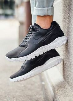 Nike Koth Ultra Low: Black