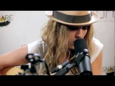 """What an amazing voice! ZZ Ward - """"Move Like You Stole It"""" (Kick Kick Snare Acoustic Session)"""