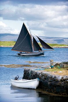 Galway Hooker, Roundstone ...a bit different from the one I met in Galway... the 'For Sail' sign was a tad misleading...