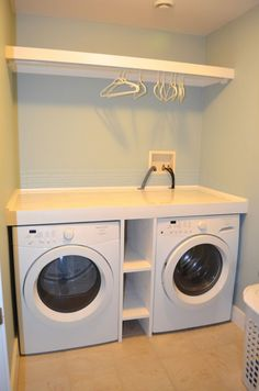 Laundry design ideas with drying room that you must try 18 Laundry Room Shelves, Basement Laundry, Small Laundry Rooms, Laundry Room Organization, Laundry Room Storage, Diy Storage, Storage Ideas, Shelf Ideas, Storage Shelves