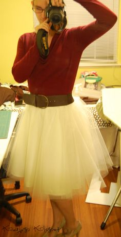 How to make a tulle skirt.