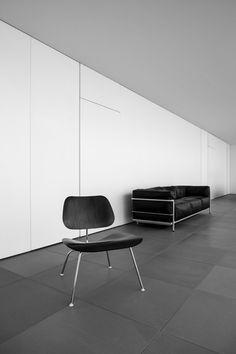 MINIMALIST HOUSE  Okinawa, Japan  Architect Shinichi Ogawa & Associates