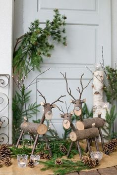 Simple and simple Christmas decorations outdoors; Home decor; - Popular pictures - Simple and simple Christmas decorations outdoors; Home decor; Christmas Wood Crafts, Noel Christmas, Outdoor Christmas Decorations, Rustic Christmas, Christmas Projects, Simple Christmas, Winter Christmas, Holiday Crafts, Christmas Wreaths