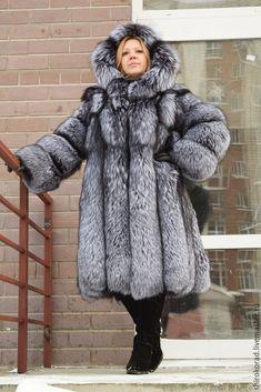 Шуба из меха черно-бурой лисы (ЛЮКС) , с капюшоном – купить или заказать в интернет-магазине на Ярмарке Мастеров | Невероятно роскошная шубка из меха финской…