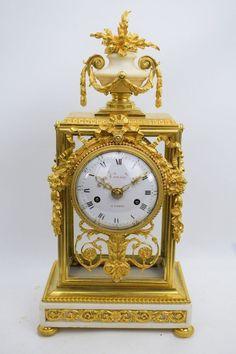 Feuervergoldete verglaste Bronze Pendule Kaminuhr Louis XVI um 1775 Cousin Paris
