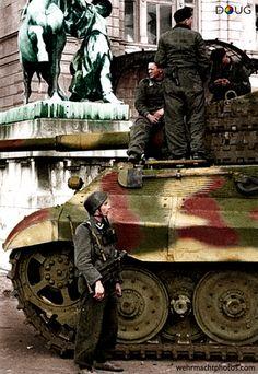SS.Fallschirmjager Batalion 500/600 - Pz.VI. Königstiger, s.Pz.Abt.503 - 'Unternehmen Eisenfaust' - Buda Castle, Budapest - Oct.1944