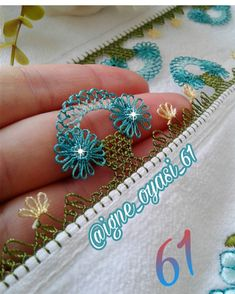 No photo description. – Elif Gecer – Join the world of pin Crochet Borders, Filet Crochet, Knit Crochet, Machine Embroidery Designs, Hand Embroidery, Dear Jane Quilt, Hairpin Lace, Needle Lace, Scrappy Quilts
