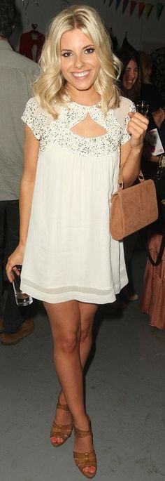 White dress, tan sandals, bright blonde hair. So summery!