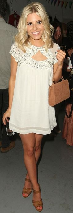 White dress, tan sandals, bright blonde hair. So summery!