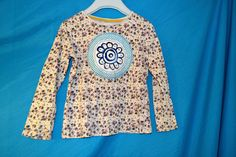 Recyklo+tričko+dětské+..+Origo+Květované+retro+Tričko+vel.+psaná+5-6,+ale+rozhodně+je+menší+-+podle+dcery+vel.+4+roky!!!+Krásné,+příjemné,+100%+bavlna,+nová,+originální,+malovaná+aplikace.+V+podpaží+volně+2*33,+délka+40+cm.+Krásně+se+přizpůsobí!!!