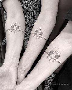 10 artistas que estão bombando em nosso perfil no Pinterest Mutterschaft Tattoos, 10 Tattoo, Tattoo Mama, Saved Tattoo, Mini Tattoos, Body Art Tattoos, Small Tattoos, Sleeve Tattoos, Tattos