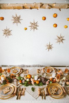 It's that time of year again, even in L.A. I'm all bundled up, the string lights across the street are already twinkling, the holidays are just around the corner. So today we're sharing a few ideas and DIYs for how to put together a boho-ho holiday party with the help of Pier 1. First, let's...