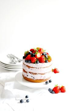 strawberry and blackberry naked cake with blackcurrant mascarpone cream
