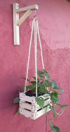 Diy Garden Projects, Diy Wood Projects, Wood Crafts, House Plants Decor, Plant Decor, Diy Home Crafts, Diy Home Decor, Decoration Palette, Diy Plant Stand