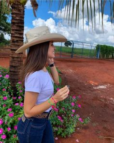 Summer Cowgirl Outfits, Country Style Outfits, Cowgirl Style Outfits, Rodeo Outfits, Western Outfits, Western Dresses, Cute Outfits, Mexican Fashion, Mexican Outfit