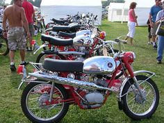 Hodaka - Vintage Dirt Bike - Grease n Gasoline http://www.way2speed.com/2012/02/hodaka-vintage-dirt-bike.html  Hodaka - Vintage Dirt Bike