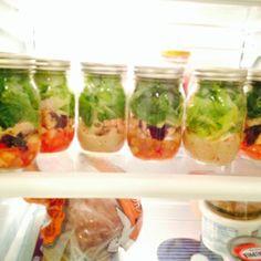 Easy Mason Jar Salad Recipes!