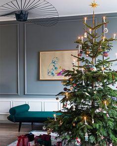 """1,309 likerklikk, 15 kommentarer – BO BEDRE (@bobedredk) på Instagram: """"Skønne varme farver der fylder rummet med ro og julestemning. Der er pyntet op til jul i denne…"""""""