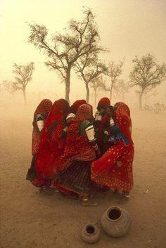 Photo © Steve McCurry/Magnum Photos INDIA. Rajasthan. 1983. Dust storm.